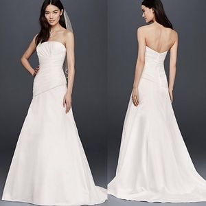 David's Bridal A Line Strapless Wedding Gown